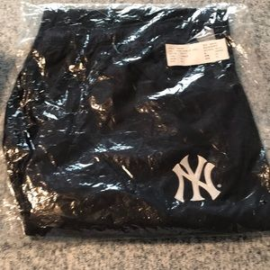 Never worn Yankee warm up pants.